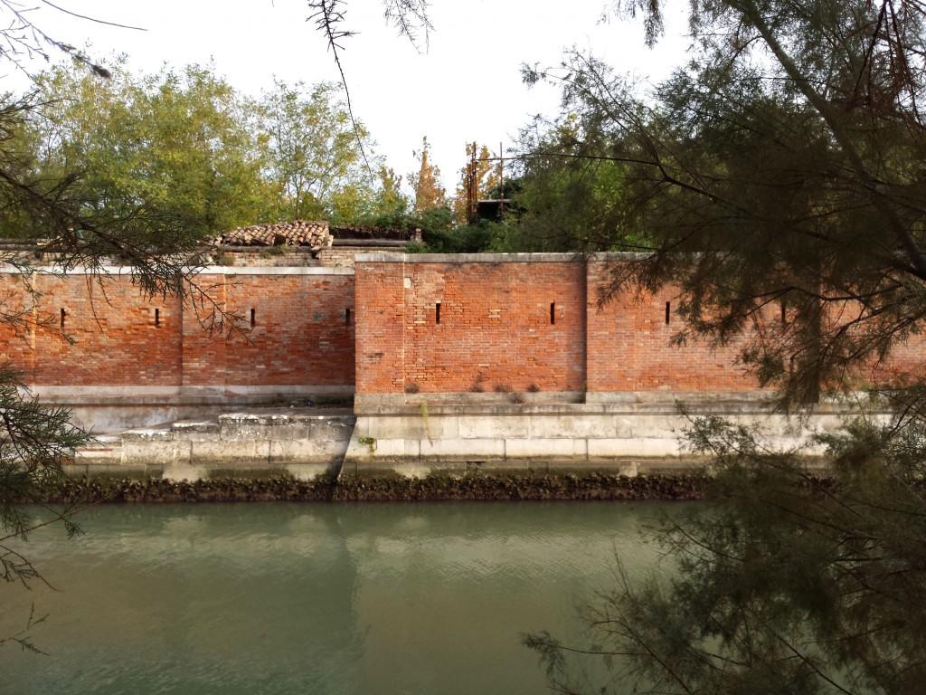 Luca Vivan, travel blogger, Venezia, Poveglia, ospedale