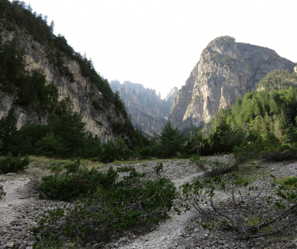 Luca Vivan, eco blogger, Dolomiti, Friuli, Pordenone, Val Cimoliana, Parco Dolomiti Friulane, rocce dolomitiche