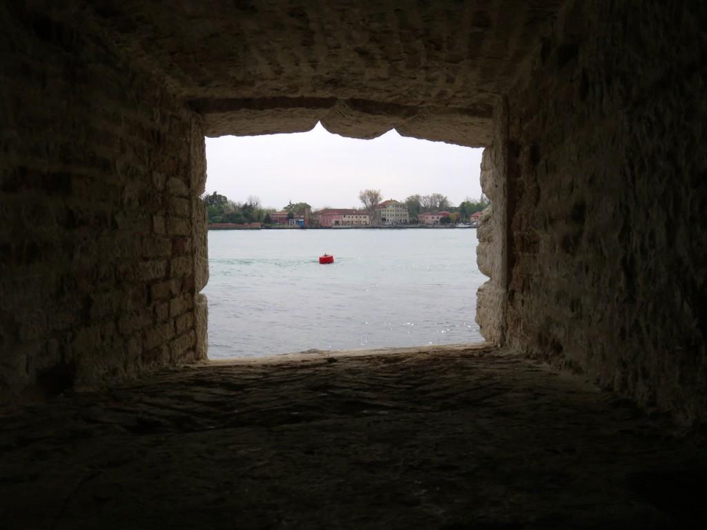 Venezia, oltre Venezia, Slow Venice, forte Sant'Andrea, oblò