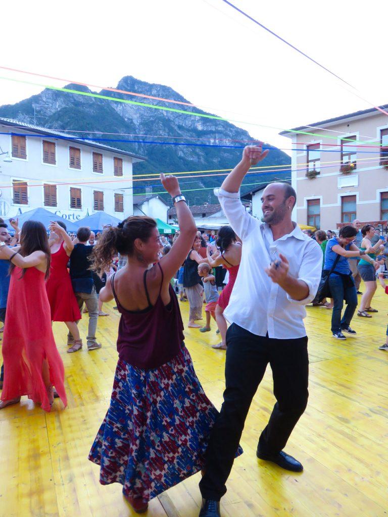festival folk, festinval, Tramonti di Sotto, Pordenone, Friuli-Venezia Giulia, festinval 2016, tarantella