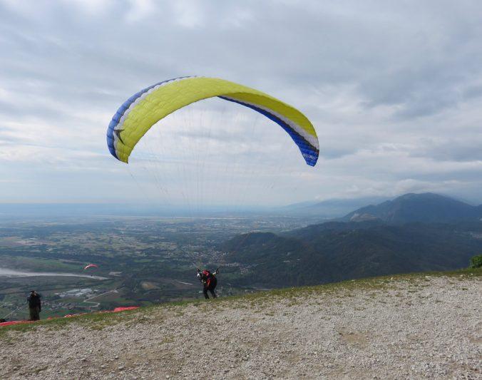 Turismo ispirazionale, Destinazione Umana, Inspirational travel designer, futuro turismo, monte Valinis, Friuli Venezia Giulia, parapendio