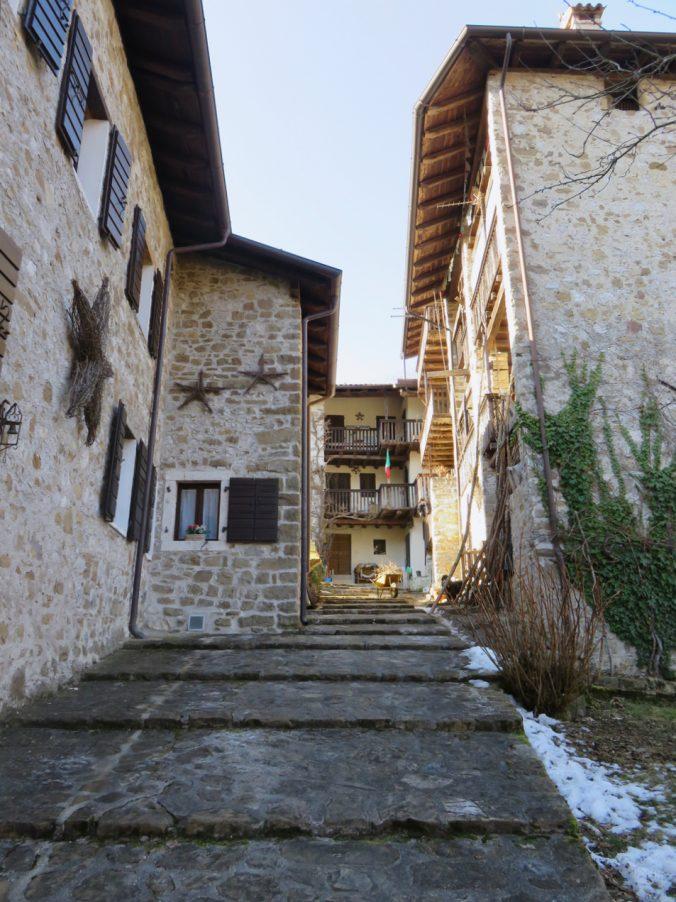 Val Colvera, Friuli, Maniago, more clay less plastic, borgo Polaz