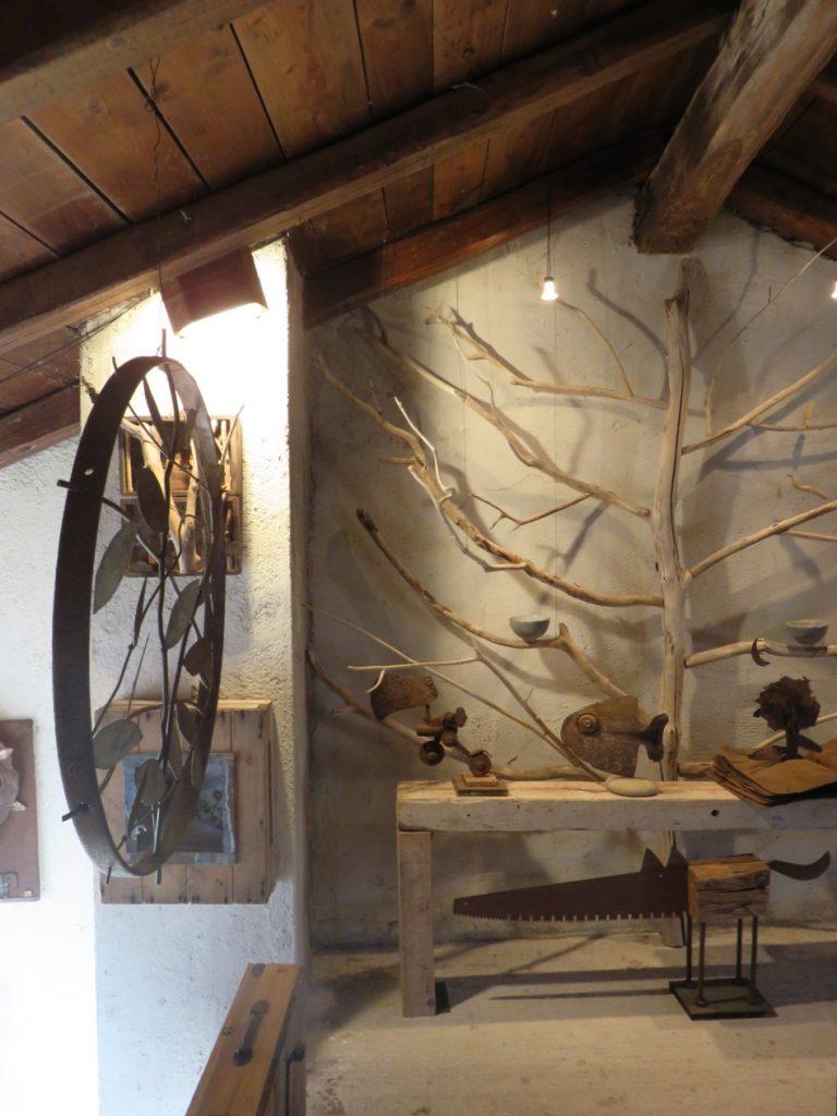 Val Colvera, Friuli, Maniago, more clay less plastic, show room