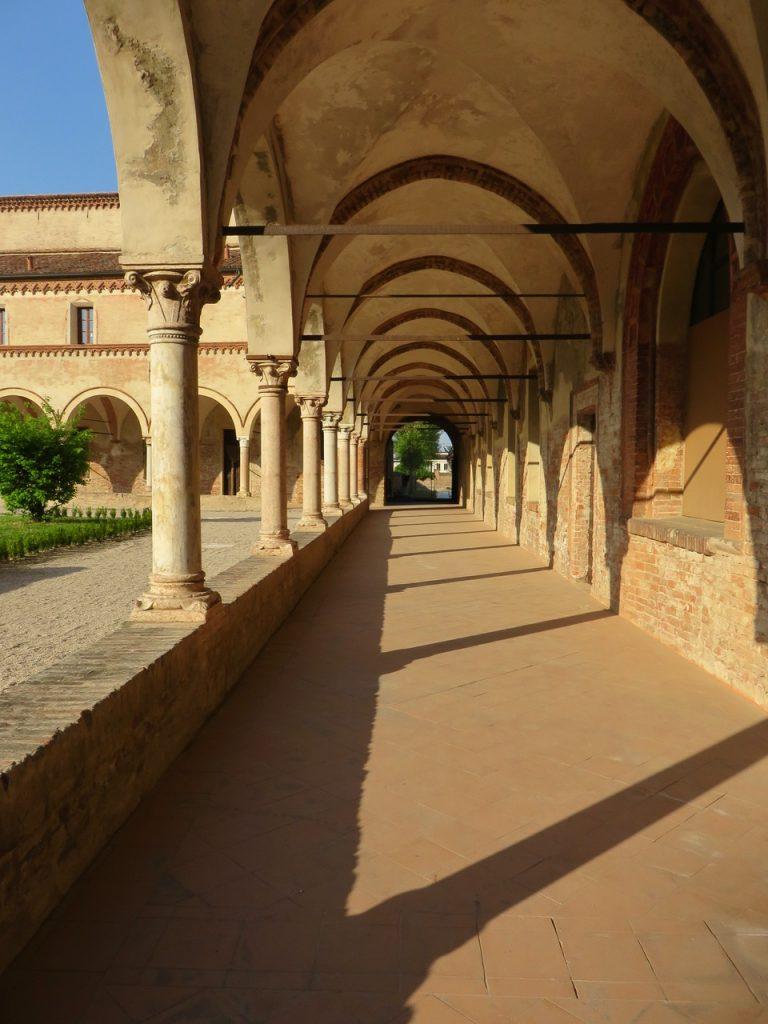 basso mantovano, San Benedetto Po, Abbazia San Benedetto in Polirone, chiostro benedettino, Mantova, Lombardia