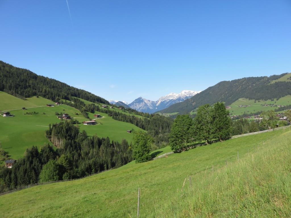 https://www.lucavivan.com/wp-content/uploads/2017/10/Alpbachtal-Tirolo-Austria-ebike-Alpbachtal-Alpbach-Alps.jpg