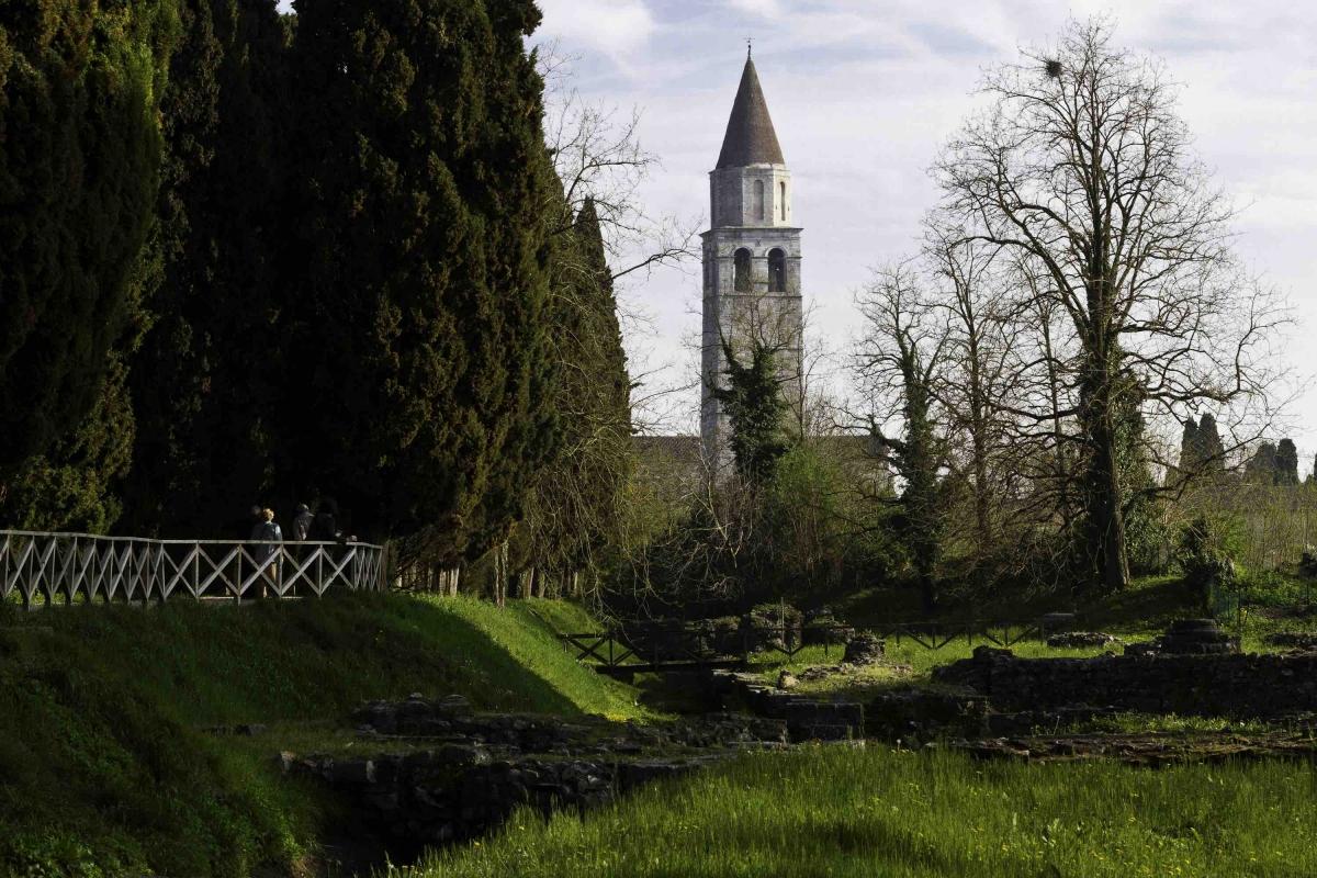 Aquileia, chiesa di Aquileia, Friuli, Friuli Venezia Giulia, viaggio nella notte della chiesa di Aquileia, Fabrice Gallina