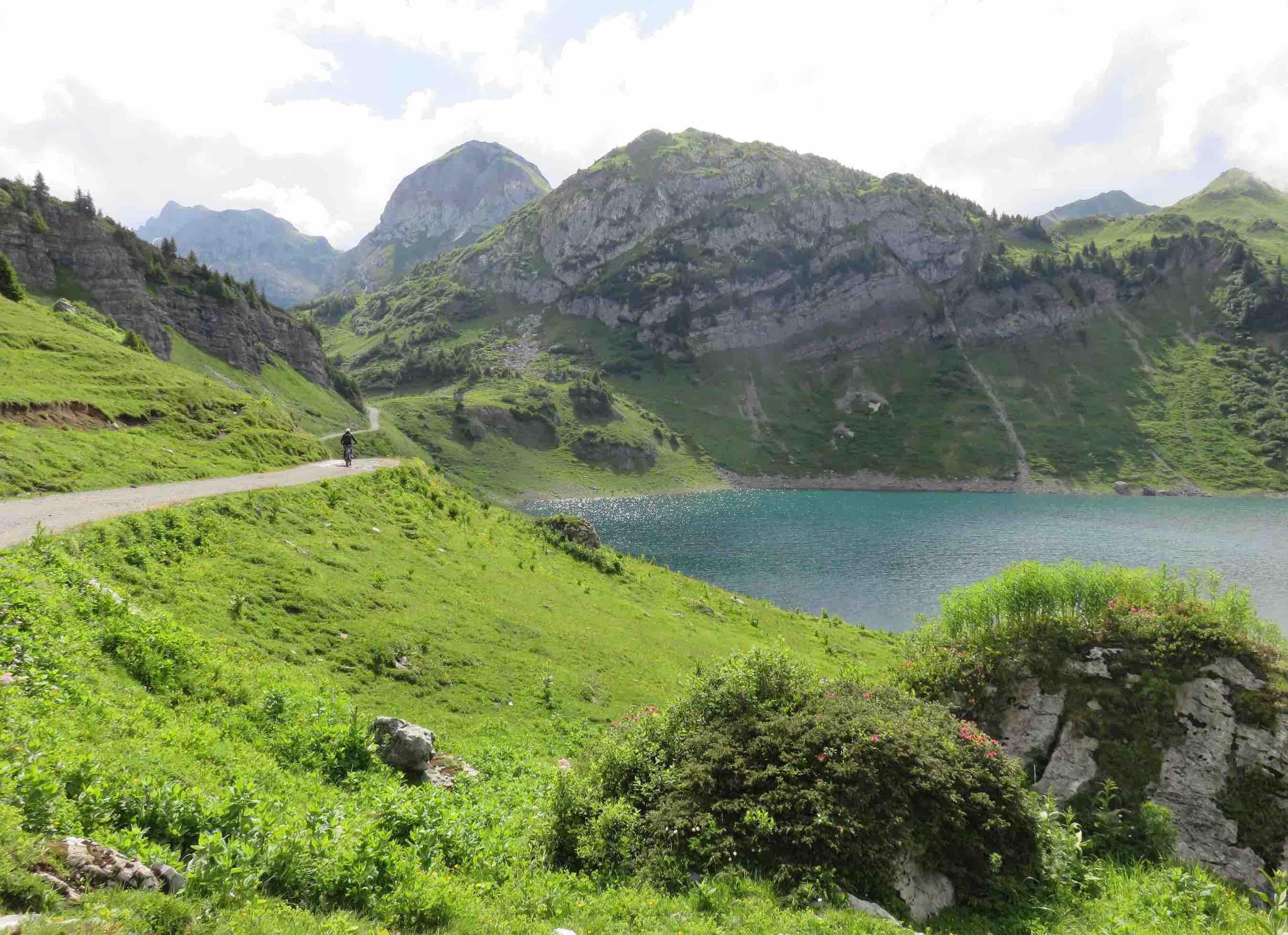 Austria insolita, Vorarlberg, Austria, lechzuers, lago Formarin