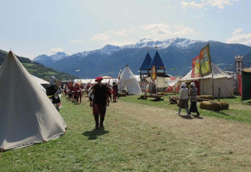 Ritterspiele, Sluderno, festa medievale, Sluderno, val Venosta, Vinschagu, Sud Tirolo, Alto Adige, giochi cavallereschi