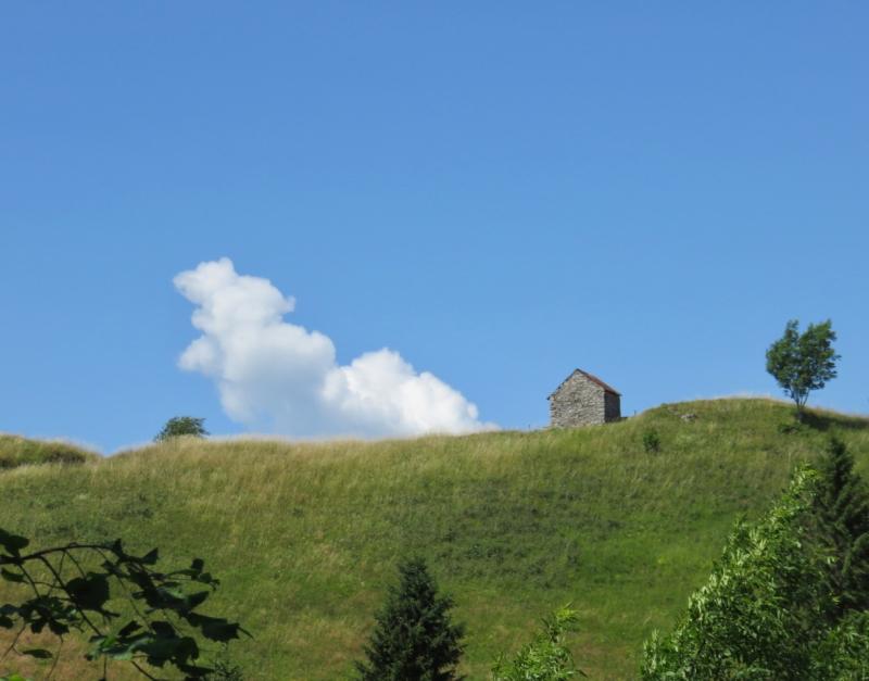 valmorel, nuvola e casetta sul Pian de le Femene