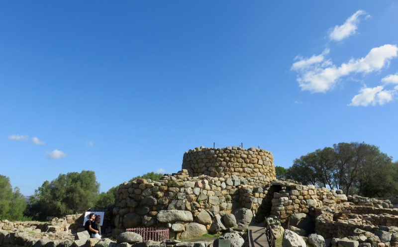 cosa fare vicino ad una casa vacanze in Sardegna, nuraghe la Prisgiona ad Arzachena
