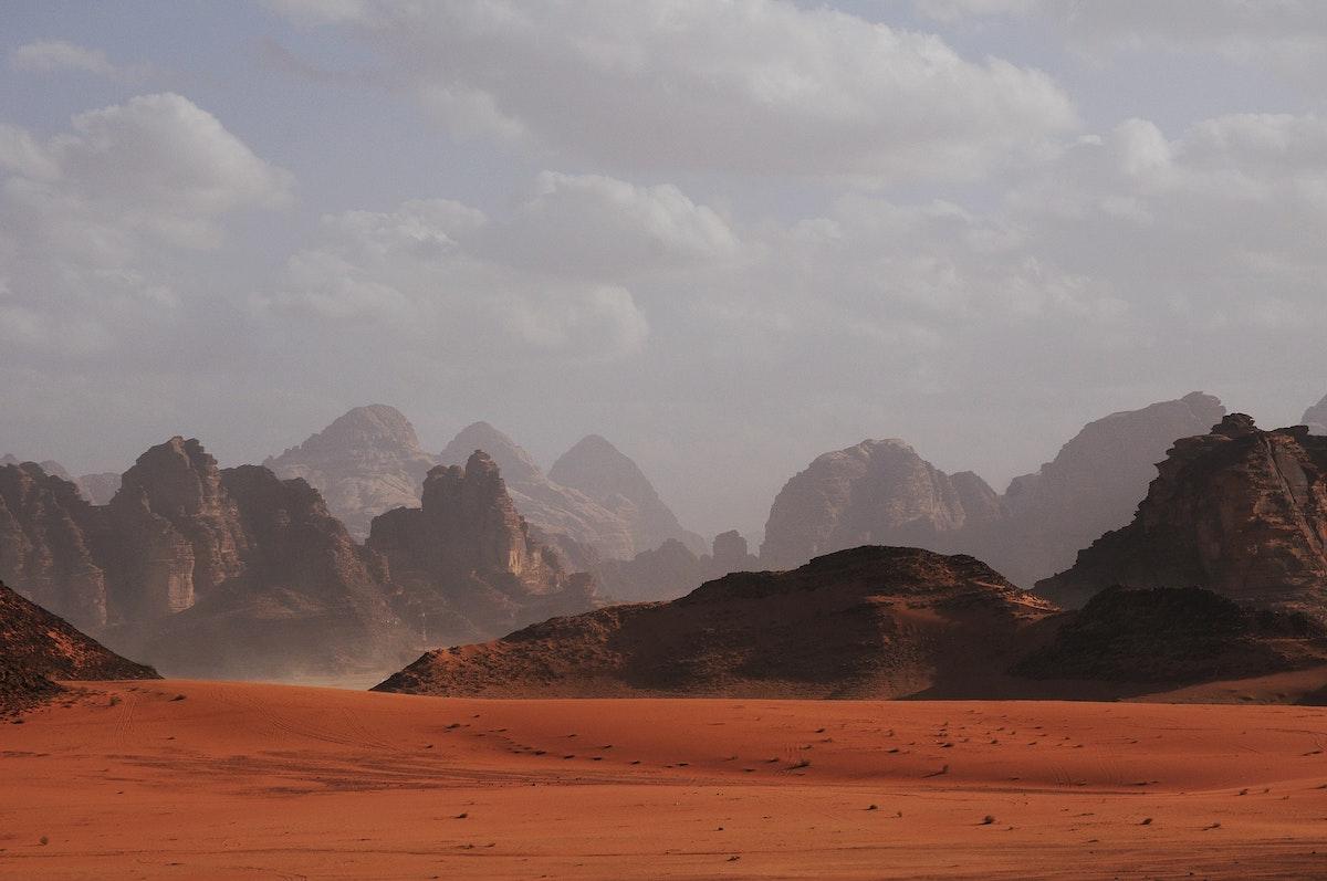 il deserto, racconti di cura Luca Vivan, Wadi Rum di yuliya-kosolapova